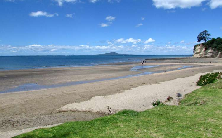 Browns Bay