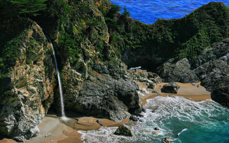 McWay Falls, Julia Pfeiffer Burns State Park, California