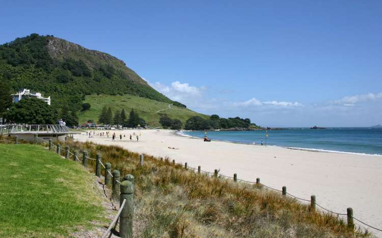 Mount Maunganui and beach
