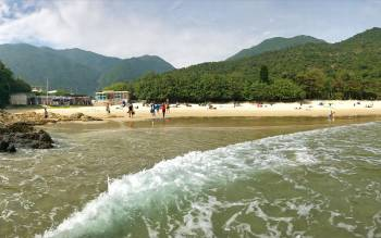 Big Wave Bay Beach - Hong Kong